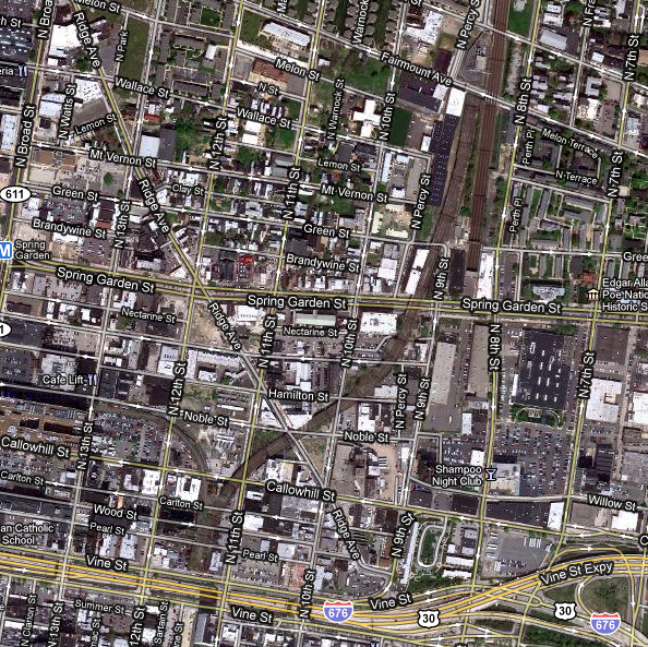 Google maps image of abandoned Reading Railroad viaduct in Center City